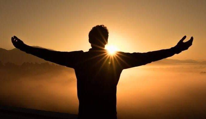 Unindo-me à fé do povo santo